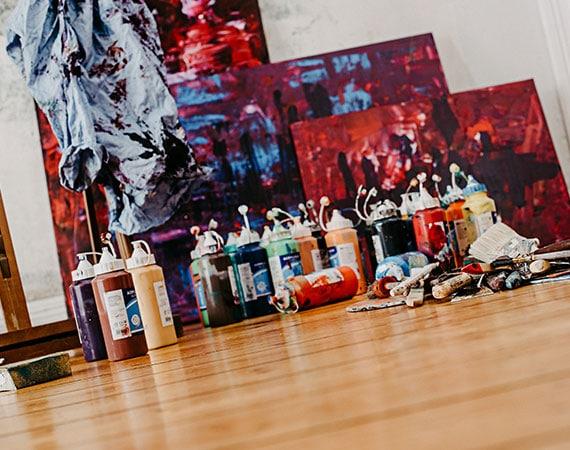 Katja Freimuth Leinwände und Farbe